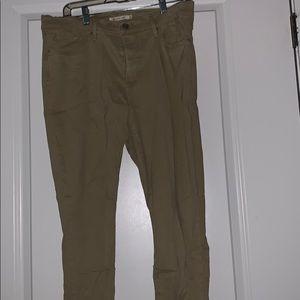 Khaki Levi skinny jeans